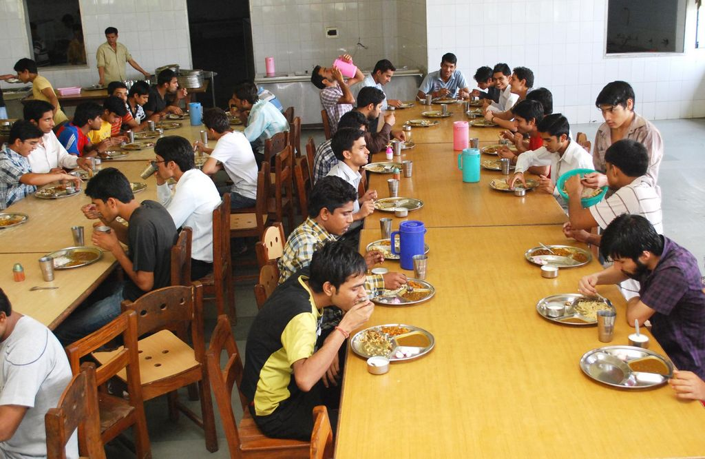 boys-hostel-mess-photo-1