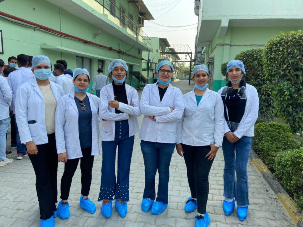 Educational Tour_Pharmacy (3)